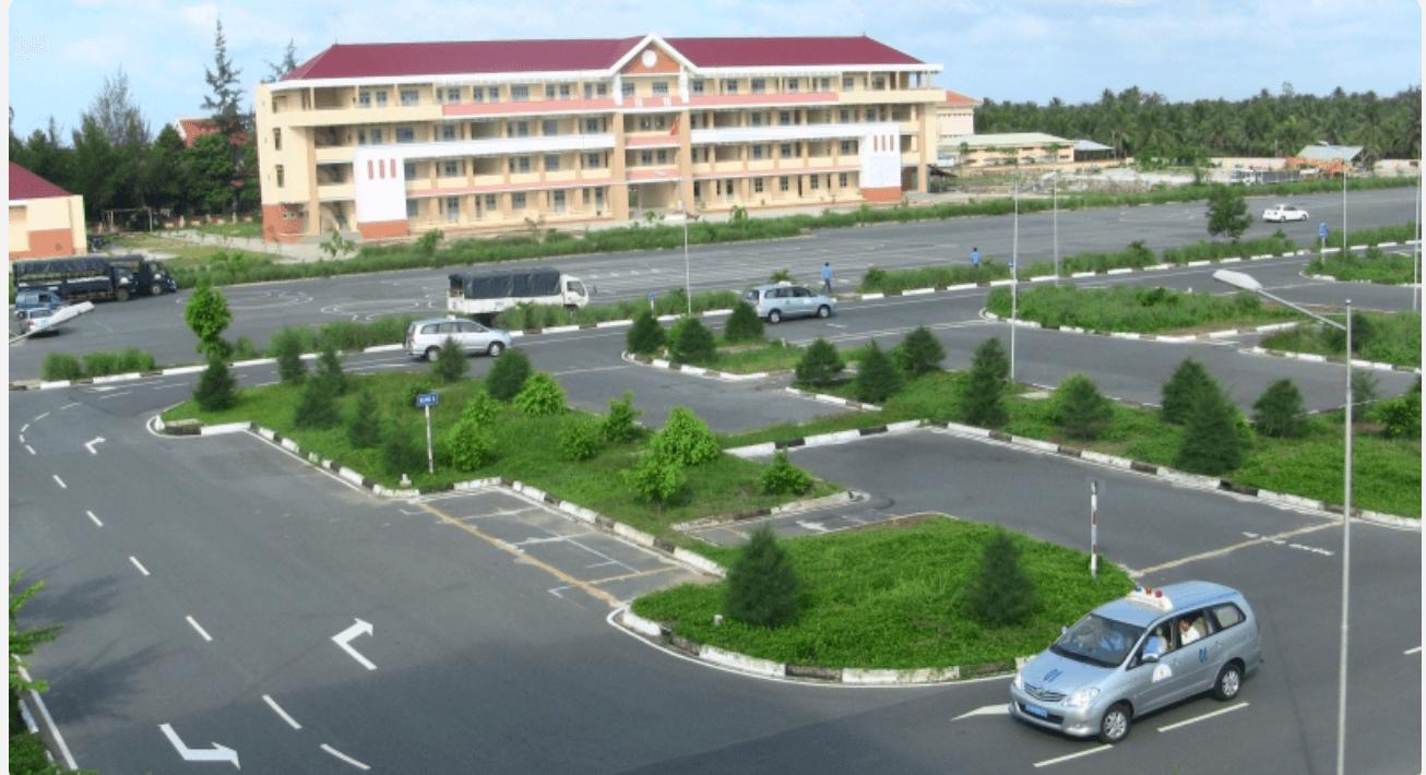 TOP 4: Trường dạy lái xe Đồng Tiến